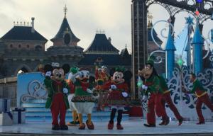 espectaculo navidad en disneyland paris