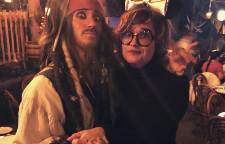 capitan jack sparrow y tami disneygeeks